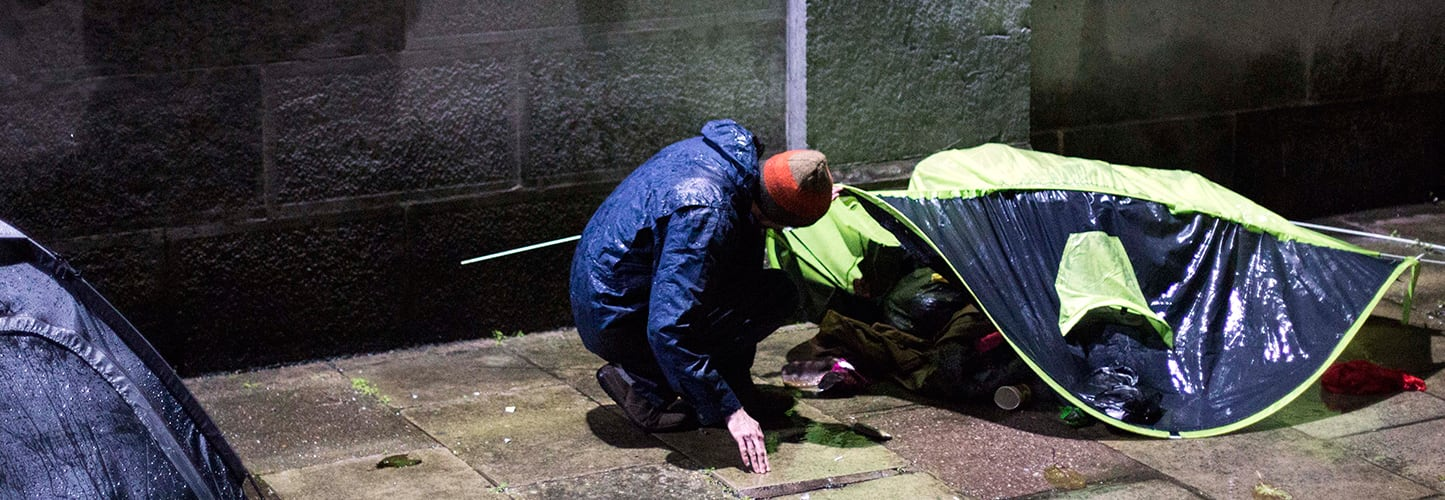 Image of Outreach Team checking on rough sleepers on the streets of Cork